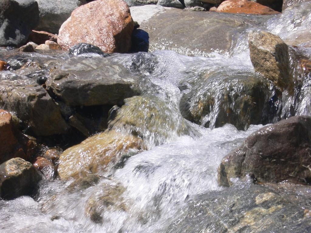 Flüssiges System